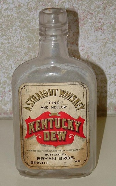 Kentucky Dew paper label pint from Bristol, VA.